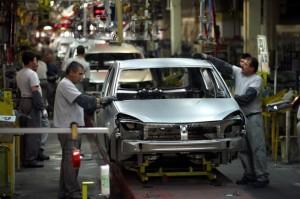 fabrica Dacia Mioveni