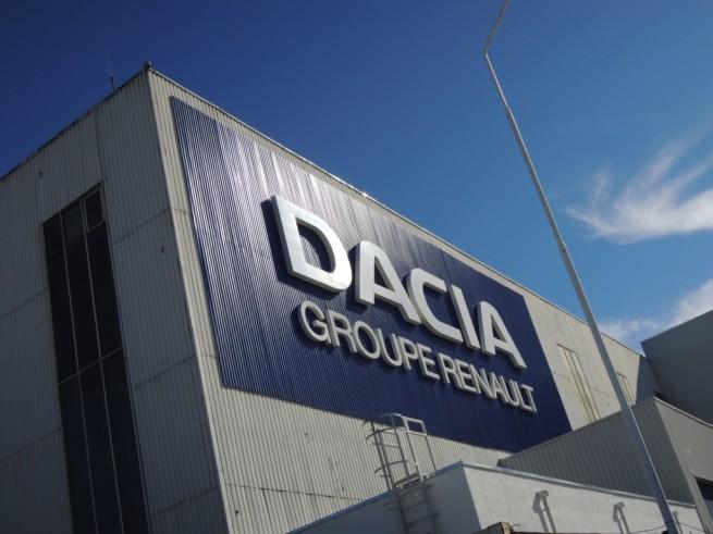 Uzina-Dacia-Mioveni - Renault ar putea muta o parte din productie inspre Maroc