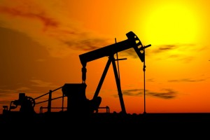 Ieftinirea petrolului elimina taxa de 7 centi la litru
