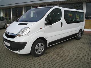 Opel Vivaro, solutia pentru o vacanta in familie