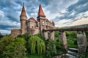 Castelele din Romania: Castelul Corvinilor