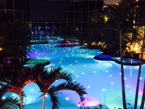 Therme-piscina-noaptea